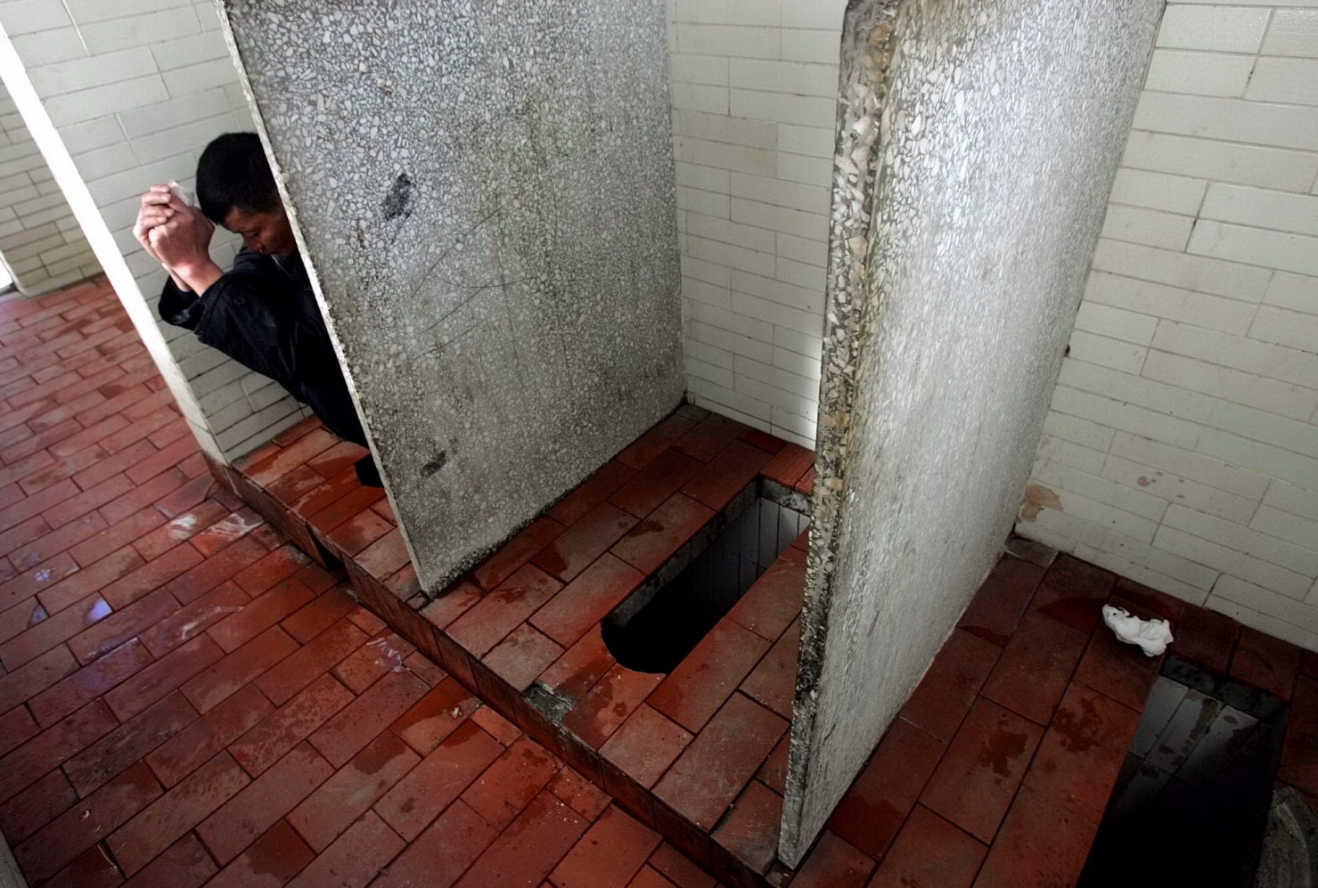 . China  39 s Shenzhen Province To Fine Messy Public Bathroom Users