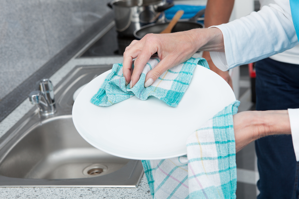 Dish Cloths Should Only Be Used For One Thing And Washed