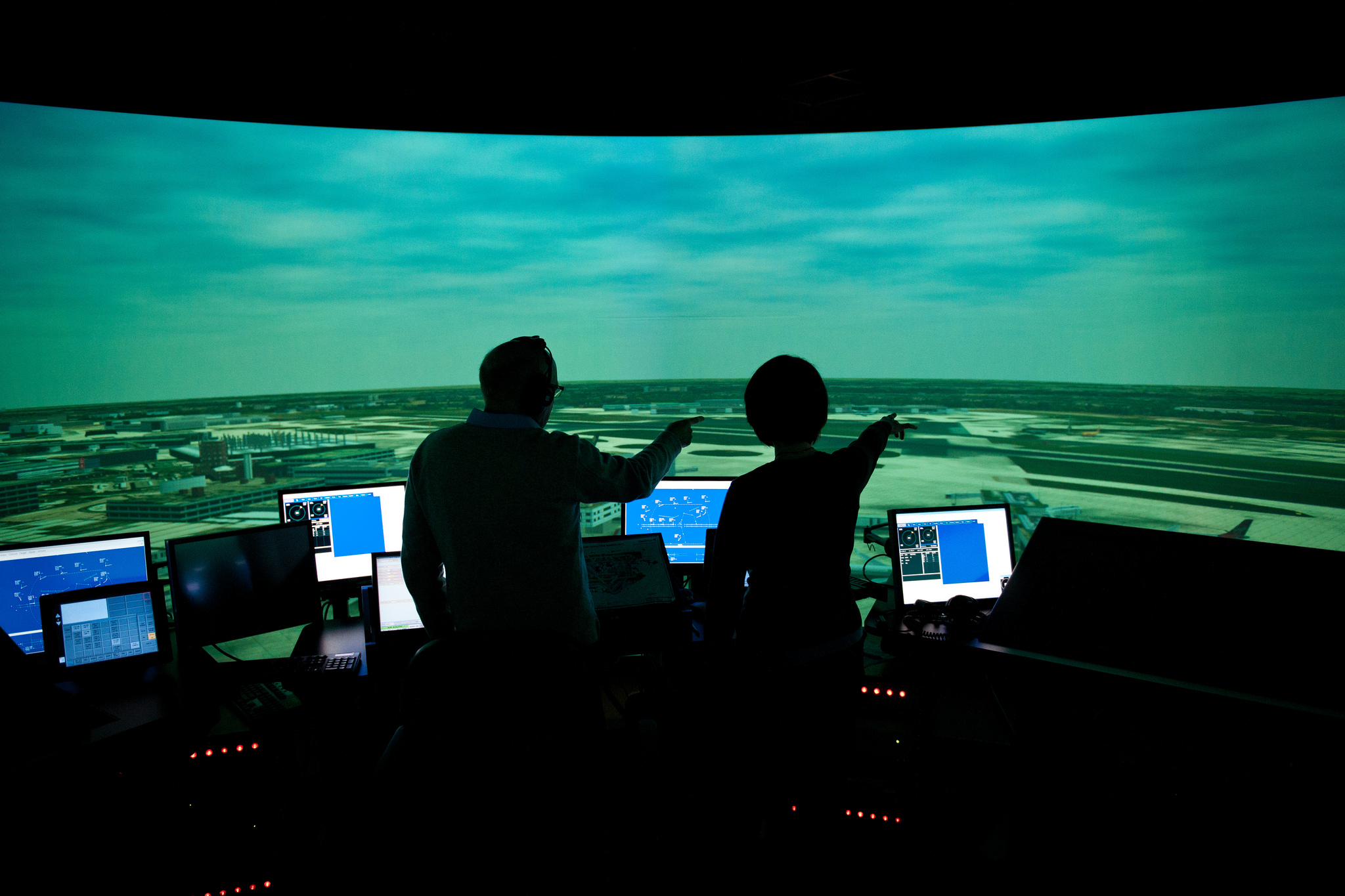 Air Traffic Controller preparing research report