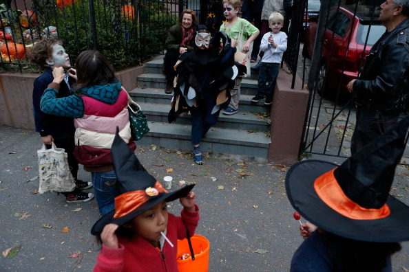 How Many Calories Of Halloween Candy Will Kids Consume In 2016?
