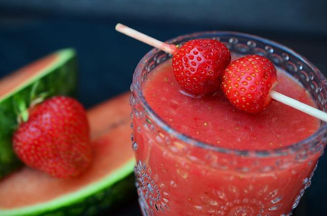 Hepatitis A cases linked to smoothie chain stores triple