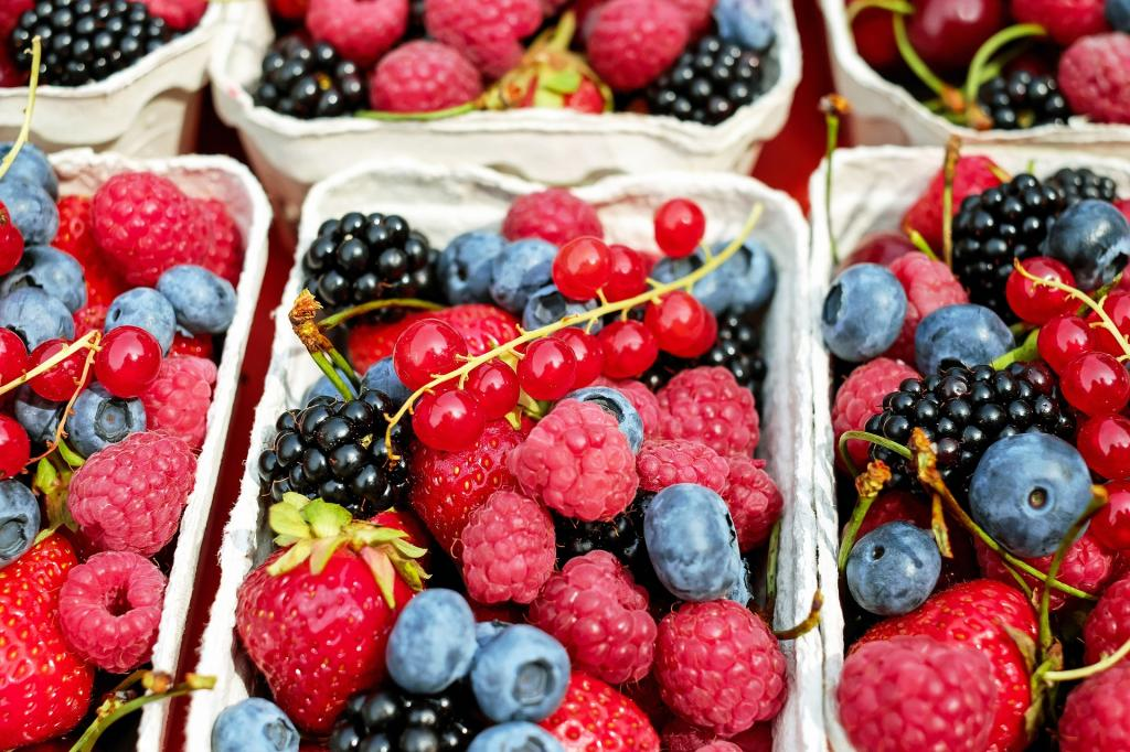 http://images.medicaldaily.com/sites/medicaldaily.com/files/styles/embedded_full/public/2017/03/16/berries-15461251920.jpg