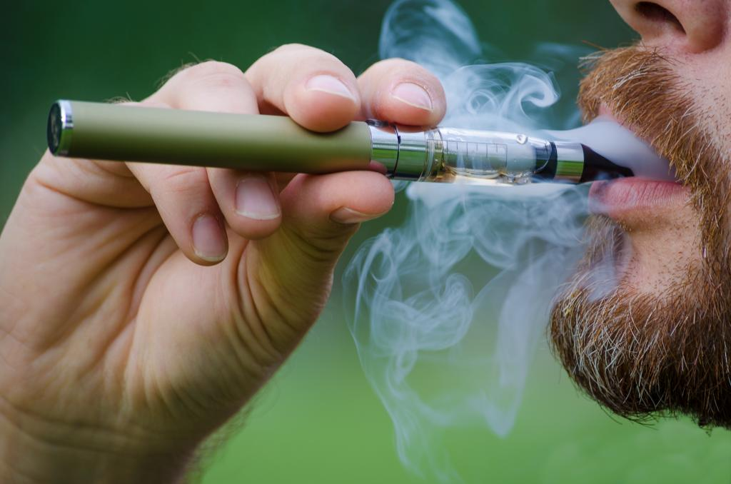 Electronic cigarettes and drugs