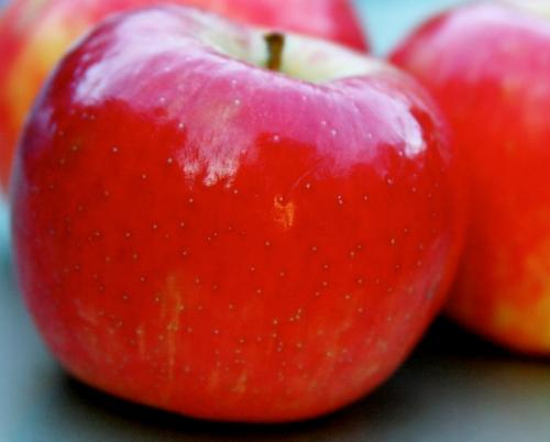 Polishing the apple's popular image as a healthy food