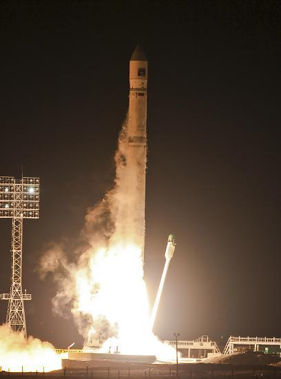 The Zenit-2SB rocket blasts off from its launch pad at the cosmodrome Baikonur November 9, 2011.