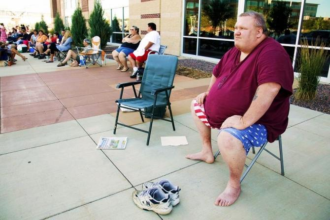 "Clifford Clark, weighing 485 pounds waits in line for an open casting call for season 11 of ""The Biggest Loser"" television show in Broomfield, Colorado July 17, 2010."