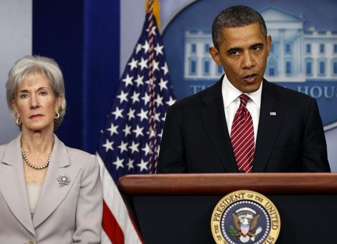 Secretary of HHS Kathleen Sebelius(L) announced on Tuesday that the Obama administration has launched a new plan to combat Alzheimer's disease in order to meet the 2025 deadline of finding effective ways to treat or slow the progression of the mind-robbin