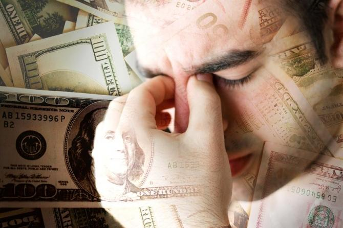 """A person's gut feelings often override their rational thoughts when they are faced with making an unethical financial decision, leading them to reject it even if making the """"right decision"""" leaves them at a personal loss, new research suggests."""