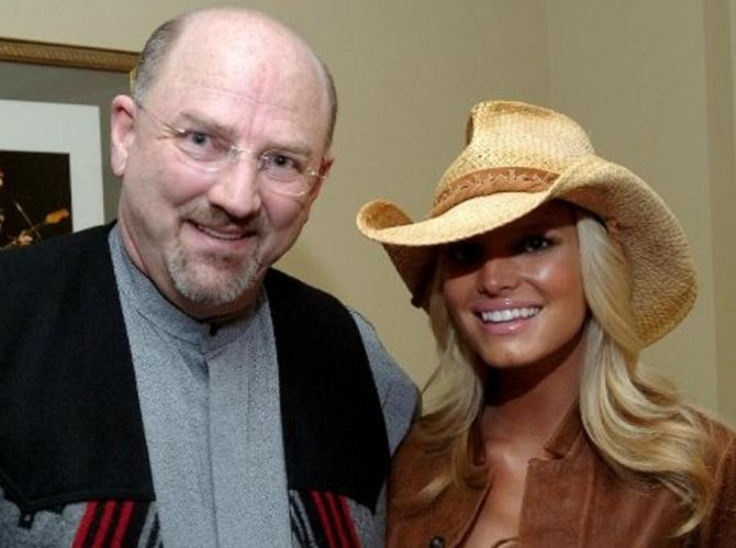 Stevie, formerly Steve, Crecelius, pictured with singer Jessica Simpson, works as a photographer of celebrities and events. When Steve went for an ultrasound for a kidney stone, the nurse discovered that he was actually a woman and had traits of both ge