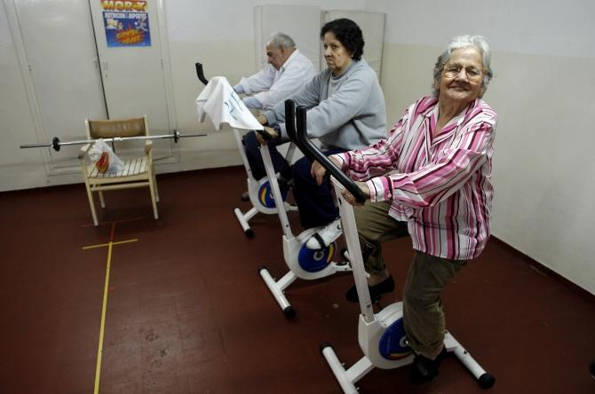 old people seniors exercising