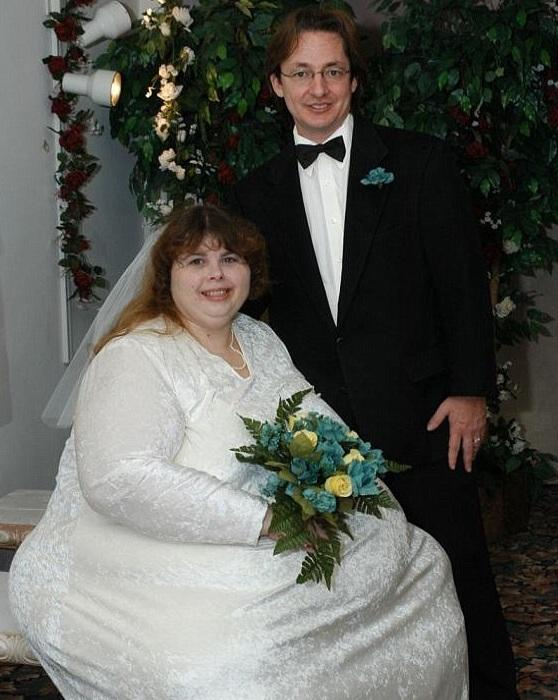 Pauline and Alex Potter on their wedding day, the couple have since got back together and have have marathon sex sessions of up to seven times a day for four days at a time every month when he comes to visit her.