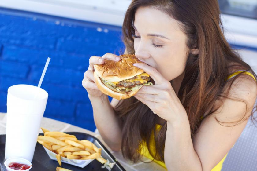 Proximity To Fast Food Stores May Influence Your Weight