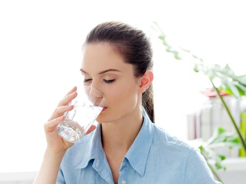 Drinking more water associated with numerous dietary benefits, study finds