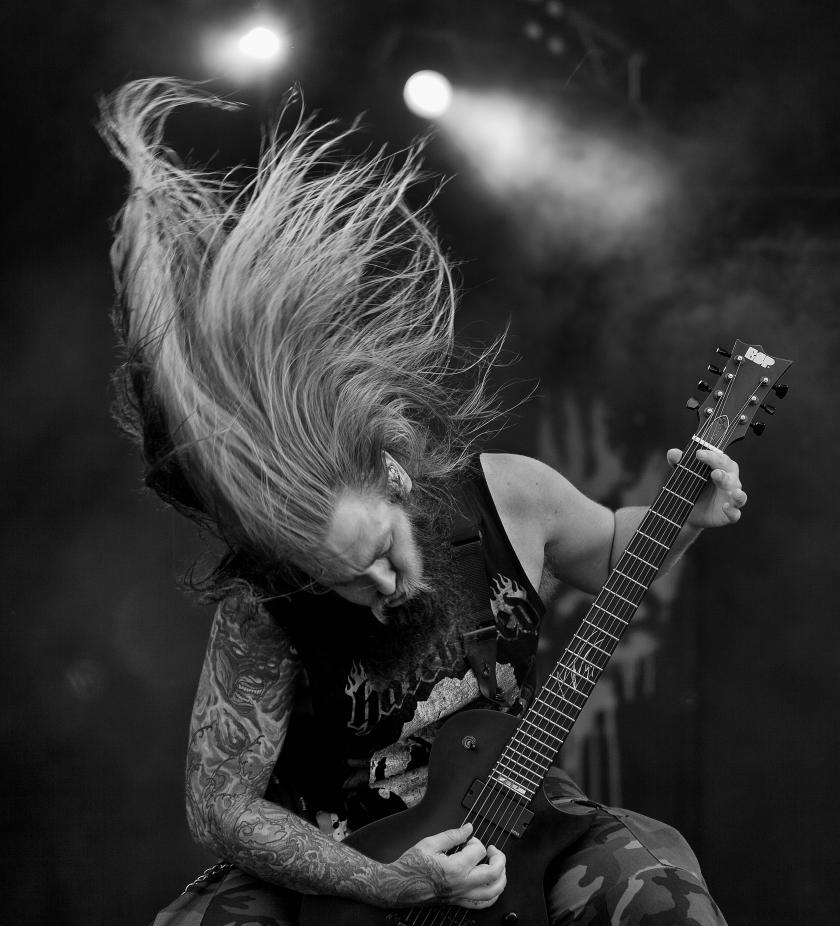 Heavy Metal 'Headbanging' May Cause Brain Damage