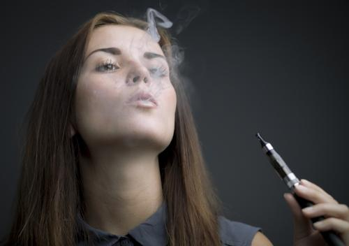 Teens Love Smoking E-Cigs And Rates Have Increased Rapidly