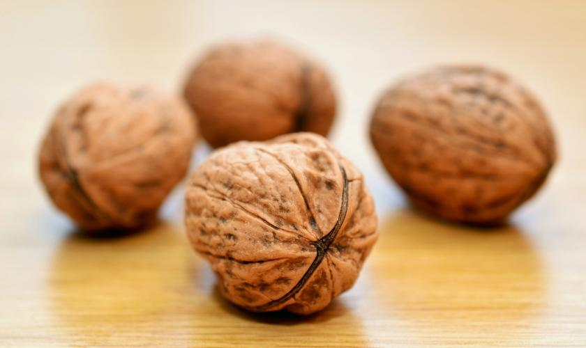 Here's how eating walnuts can help in weight control