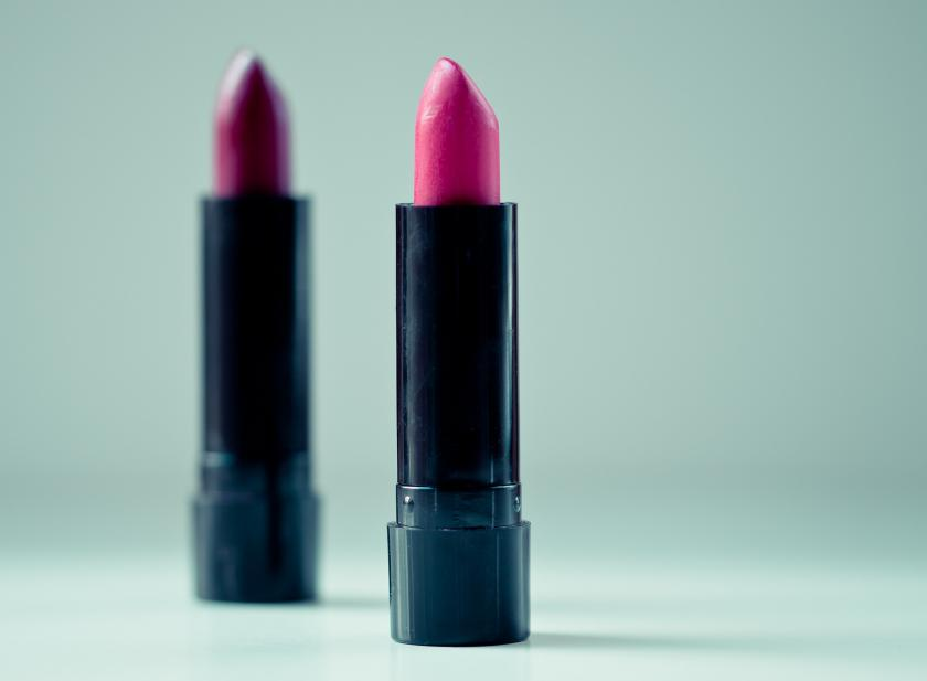 Can you get herpes from lipstick?