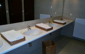 bathroom-734017_1920